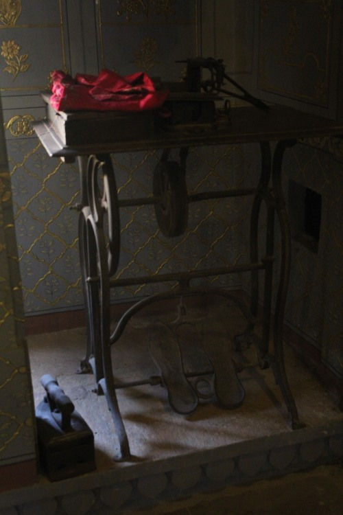 Sewing Machine of Olden Days...nearly around 19th century