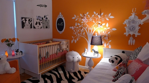 Brilliant-use-of-orange-along-with-black-and-white-rug-in-the-nursery