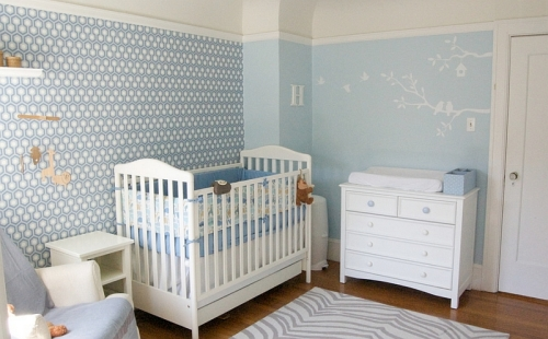 David-Hicks-Hexagon-Wallpaper-in-the-nursery-is-not-a-bad-way-to-get-your-little-one-started-on-interior-design
